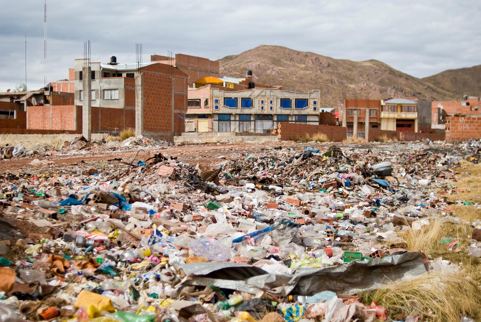 Müll am Rande des Dorfes Desaguadero