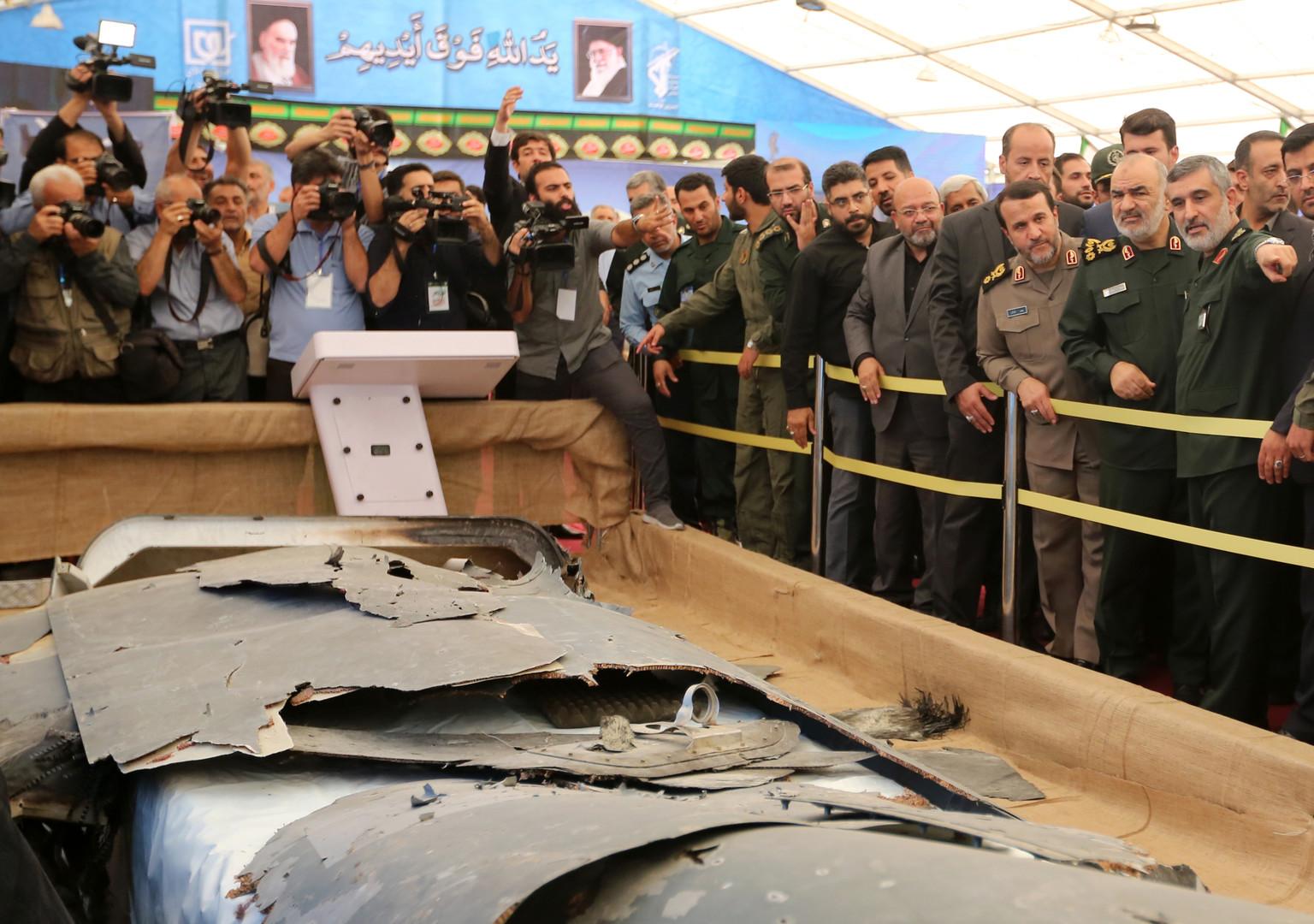 Iran zeigt über seinem Gebiet abgeschossene Drohnen der Öffentlichkeit