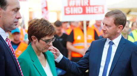 Annegret Kramp-Karrenbauer mit dem sächsischen Ministerpräsidenten Michael Kretschmer.