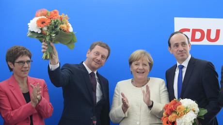 CDU-Vorsitzende Annegret Kramp-Karrenbauer, Sachsens Ministerpräsident und Spitzenkandidat Michael Kretschmer, Bundeskanzlerin Angela Merkel und CDU-Spitzenkandidat in Brandenburg, Ingo Senftleben, posieren am 2. September 2019 in der CDU-Zentrale in Berlin.