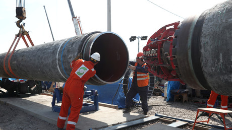 Arbeiter in der russischen Stadt Kingissepp setzten zwei Röhrenabschnitte für Nord Stream 2 zusammen (5. Juni 2019).