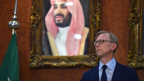 Brian Hook, US-Sondergesandter des Außenministeriums für den Iran und Leiter der Iran Action Group, besuchte den saudischen Kronprinzen in Al-Kharj am 21. Juni, einen Tag nach Abschuss einer US-Drohne durch den Iran.