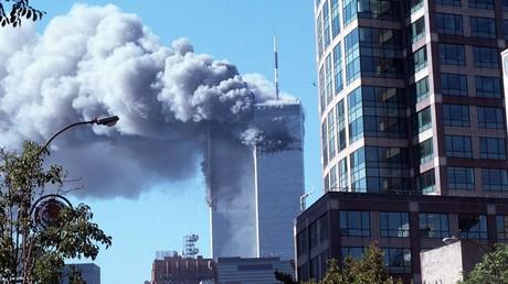 Am Morgen des 11. September 2001 krachten zwei Passagiermaschinen in die Zwillingstürme des World Trade Centers in New York.