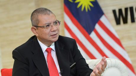 (Archivbild) Malaysischer Außenminister Saifuddin Abdullah bei einem Interview mit der chinesischen Zeitung Xinhua in Putradschaja, Malaysia, am 13. Juni 2019.