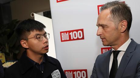 Auf der BILD100-Party fand Bundesaußenminister Heiko Maas Zeit für Joshua Wong, den neuen