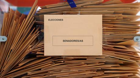Stimmzettel der letzten Parlamentswahlen in Spanien am 28. April. Diese führten zu keiner Regierungsbildung, weshalb nun am 10. November erneut gewählt wird.