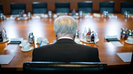 Horst Seehofer im Kanzleramt vor einem Kabinettstreffen.
