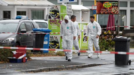 Polizisten am Tatort in Götingen-Grone