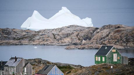 Eisberge schmelzen, wie hier in Grönland. Das neue CLINTEL-Institut meint, das habe nichts mit einem CO2-Anstieg zu tun.