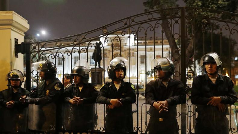 Eskalation inPeru: Armee stellt sich auf Seite des Präsidenten im Machtkampf mit Parlament