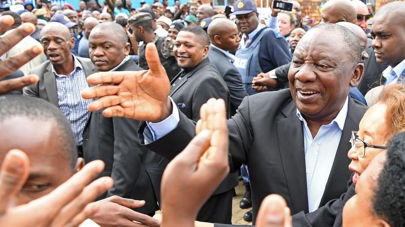 Südafrikas Präsident will schwindendes Vertrauen in seine Wirtschaft wiederherstellen