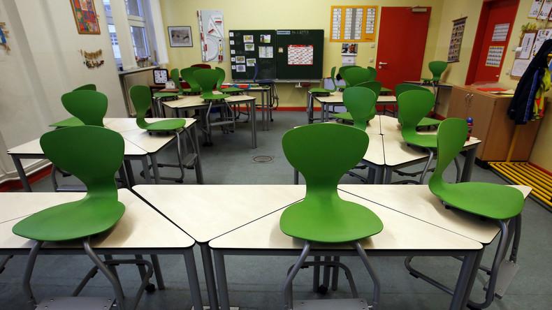 """Kein Fridays for Future, sondern """"Schule in Not"""" – Demonstrieren für saubere Klassenräume"""