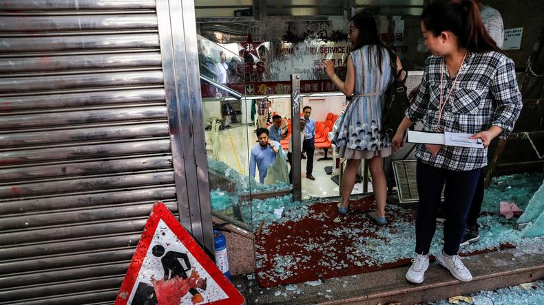 Hongkong: Demonstranten nehmen Pro-Peking-Firmen ins Visier