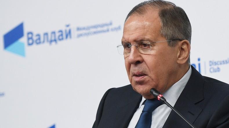 Lawrow: Washington erachtet unauslöschliche Turbulenzen als nützlich – Moskau ist Koexistenz wichtig