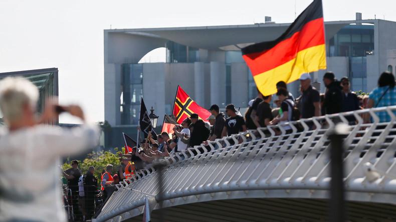 """LIVE aus Berlin: Großdemo der rechten Initiative """"Wir für Deutschland"""" – Gegenproteste"""