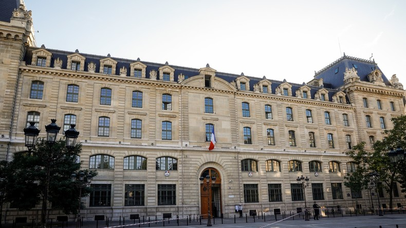 Messerangriff in Paris: Staatsanwaltschaft ermittelt wegen Terrorverdachts