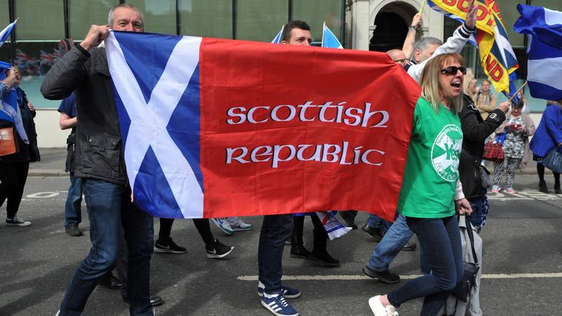 LIVE: Für eine Unabhängigkeit Schottlands – Demonstranten versammeln sich in Edinburgh