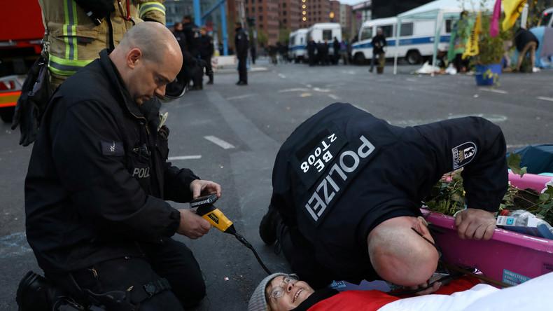 LIVE: Berlin – Polizei räumt Extinction Rebellion-Blockade am Großen Stern