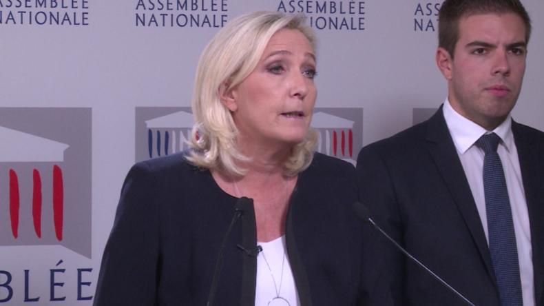 """Frankreich: """"Das französische Schiff sinkt!"""" – Le Pen fordert Migrationsstopp"""