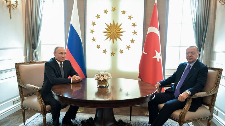 Russland und Türkei vereinbaren Zahlungsausgleich in nationalen Währungen