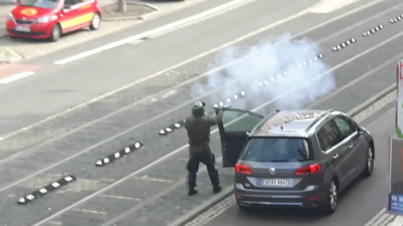 Halle: Schusswechsel zwischen rechtsradikalem Attentäter und Polizei gefilmt