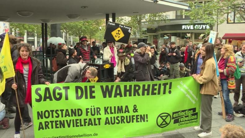 Berlin: Anhänger von Extinction Rebellion verursachen erneut Verkehrschaos
