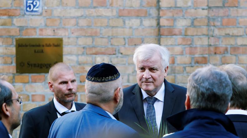LIVE: Nach Anschlag von Halle – Seehofer gibt Pressekonferenz in örtlicher Polizeistation