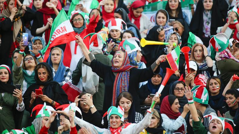 Erstmals seit 1981: Frauen im Iran erhalten Zutritt zum Fußballstadion