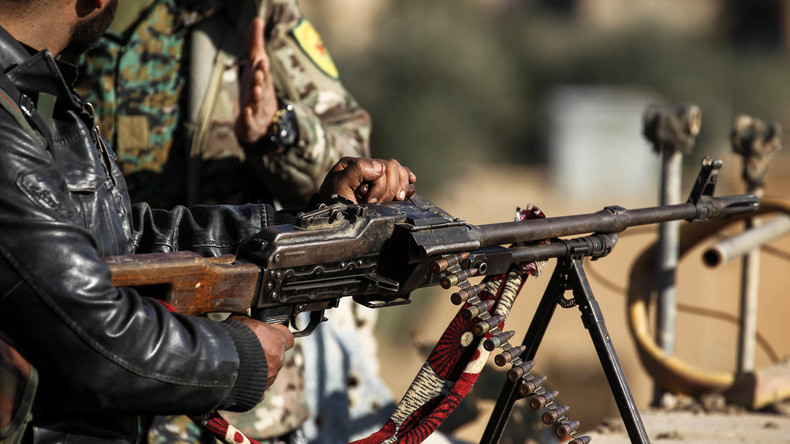 Syrische Kurden fordern Unterstützung von Russland – Erste türkische Angriffe anscheinend abgewehrt