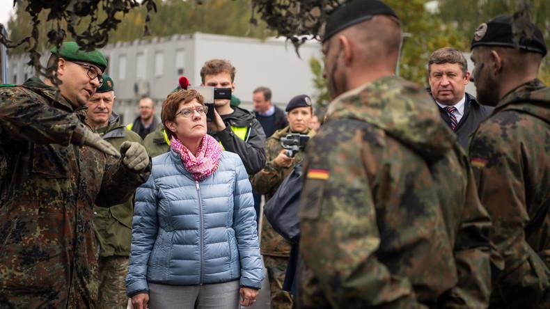 Kramp-Karrenbauer im Baltikum – Mögliche Ausweitung des NATO-Militäreinsatzes