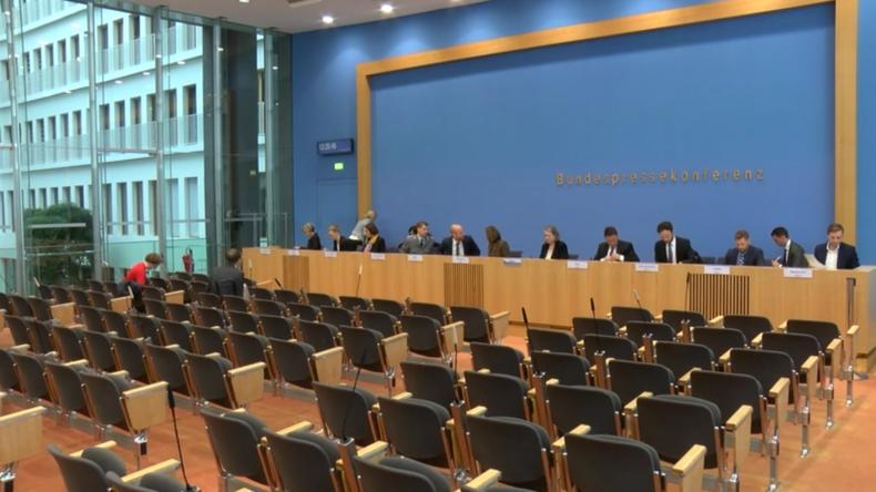 Innenministerium: Gefahr durch Rechtsextremismus sehr hoch