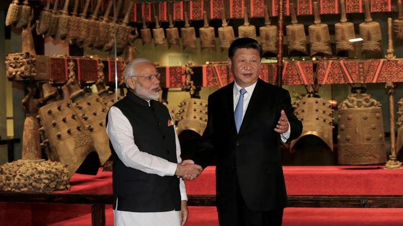 Informeller Gipfel zwischen Modi und Xi entfaltet sich im Schatten von Kaschmir