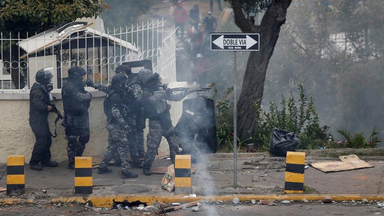Ecuadors Präsident verhängt Ausgangssperre in Quito