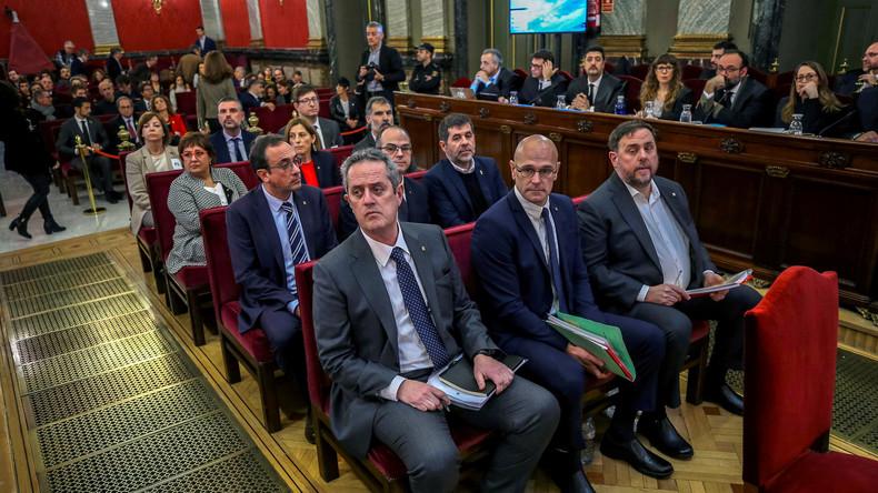 """Schuldig des """"Aufruhrs"""": Katalanische Unabhängigkeitsbefürworter zu langen Haftstrafen verurteilt"""
