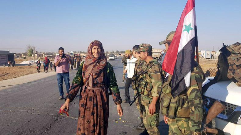 Nach Abkommen mit kurdischen Milizen: Syrische Armee marschiert in Provinz al-Hasaka ein