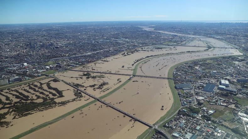 """Japan nach tödlichem Taifun """"Hagibis"""": Drohnenaufnahme zeigt überflutete Gebiete"""