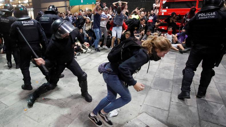 Katalonien: Gewalttätige Zusammenstöße zwischen Demonstranten und Polizei