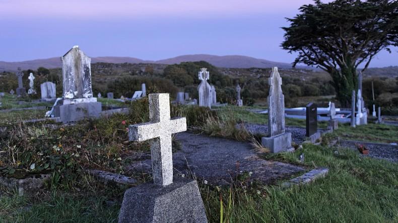 Irland: Toter spricht auf seiner eigenen Beerdigung