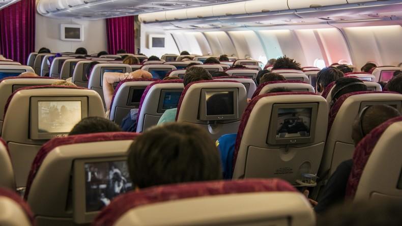 """Geschlechtsneutrale Begrüßung: Air Canada spricht Passagiere nicht mehr mit """"Damen und Herren"""" an"""