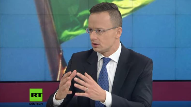 Ungarischer Außenminister: Ungarn schwimmt in der Flüchtlingsfrage gegen den Strom