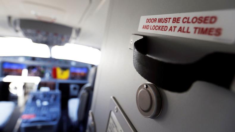 Unbefugtem Zutritt erlaubt: Virales Video bringt zwei ägyptische Piloten in Erklärungsnot