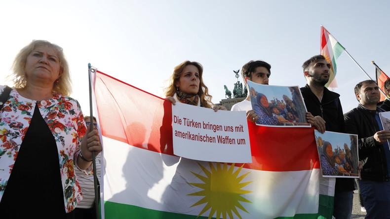 LIVE: Pro-kurdische Demonstration gegen die türkische Militäroperation