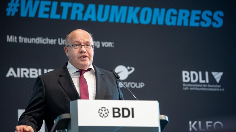 Peterchens Mondfahrt – Wirtschaftsminister Altmaier prüft deutschen Weltraumbahnhof