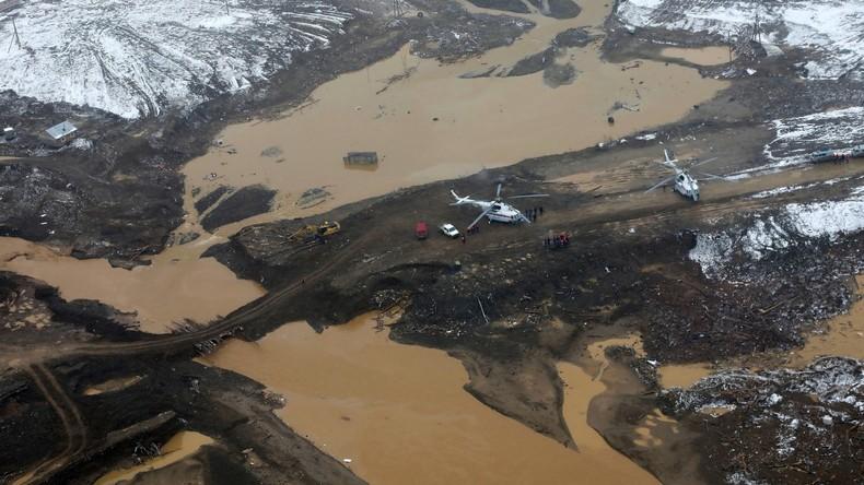 Drohnenaufnahme zeigt Unfallort nach Dammbruch mit mindestens 15 Toten in Russland