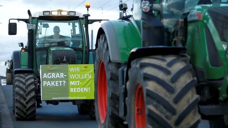 LIVE: Bauern demonstrieren in Bonn gegen Agrarpolitik der Regierung
