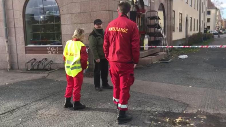 Oslo: Bewaffneter kapert Rettungswagen und fährt Passanten an, darunter zwei Babys
