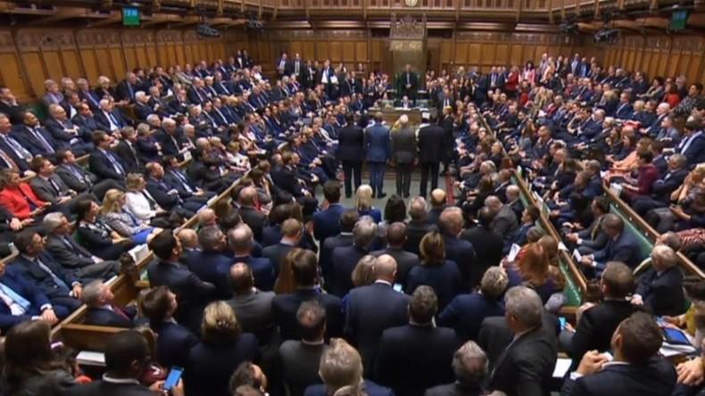 Niederlage nach dem Sieg: Britisches Unterhaus uneins über Brexit-Plan
