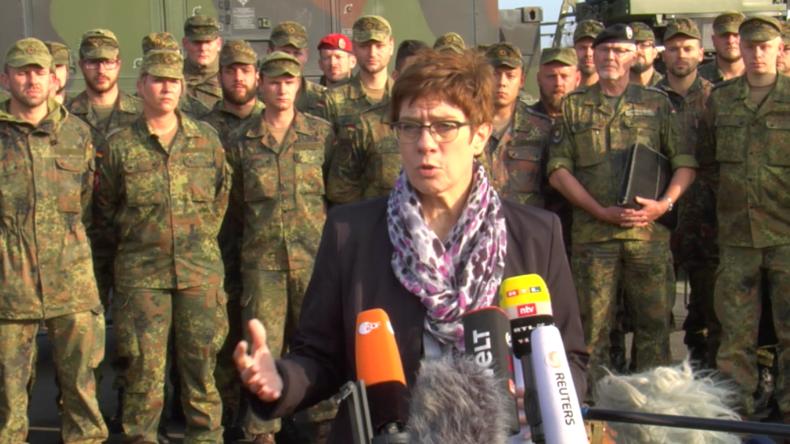 """""""Nicht nur zuschauen, selbst aktiv werden"""" – Deutsche Verteidigungsministerin zu Syrien-Initiative"""