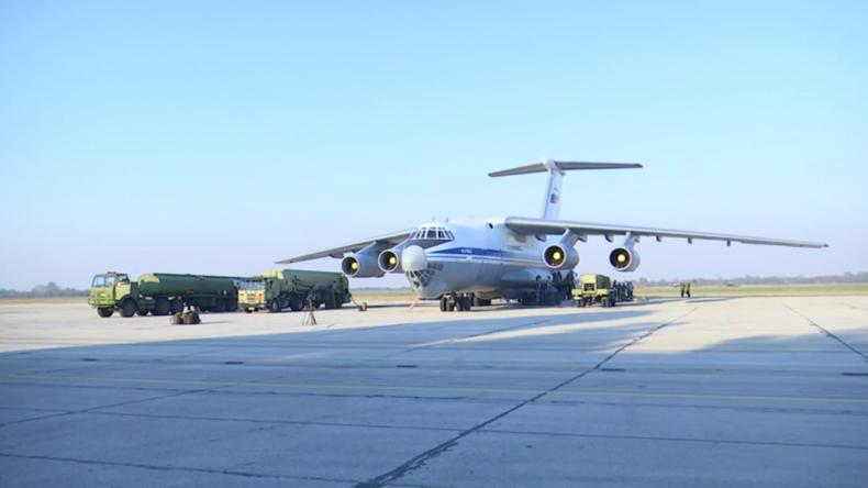 Serbien: Moskau schickt erstmals S-400- und Panzir-S1-Raketensysteme für Manöver ins Ausland