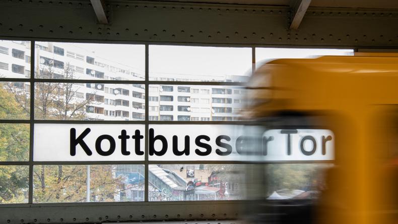 Berlin: Mann stirbt nach Stoß vor einfahrende U-Bahn